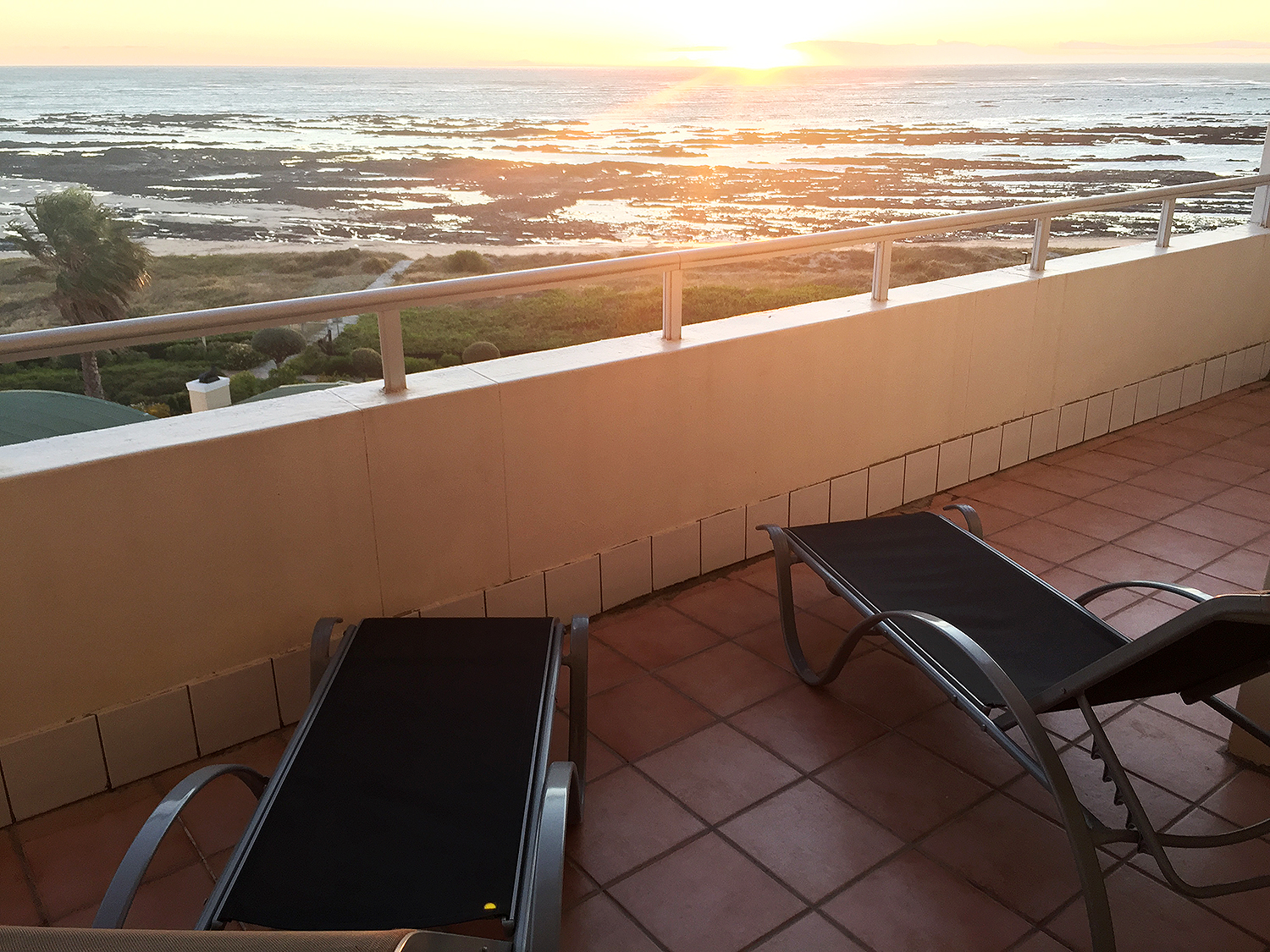 C313 GREENWAYS GOLF ESTATE | EMERALDBAY ACCOMMODATION | HOLIDAY FLATS | STRAND CAPE TOWN | ACCOMMODATION WESTERN CAPE