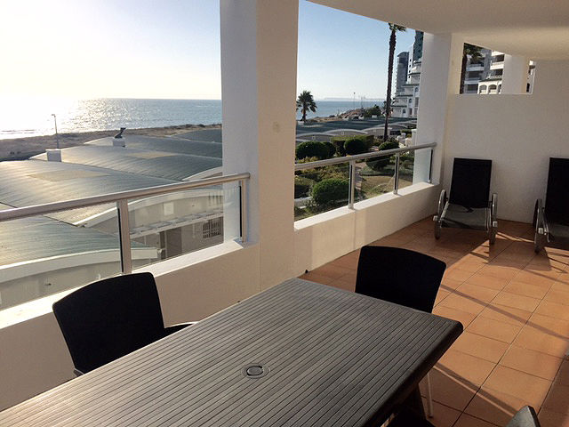 A104 GREENWAYS GOLF ESTATE   EMERALDBAY ACCOMMODATION   HOLIDAY FLATS   STRAND CAPE TOWN   ACCOMMODATION WESTERN CAPE